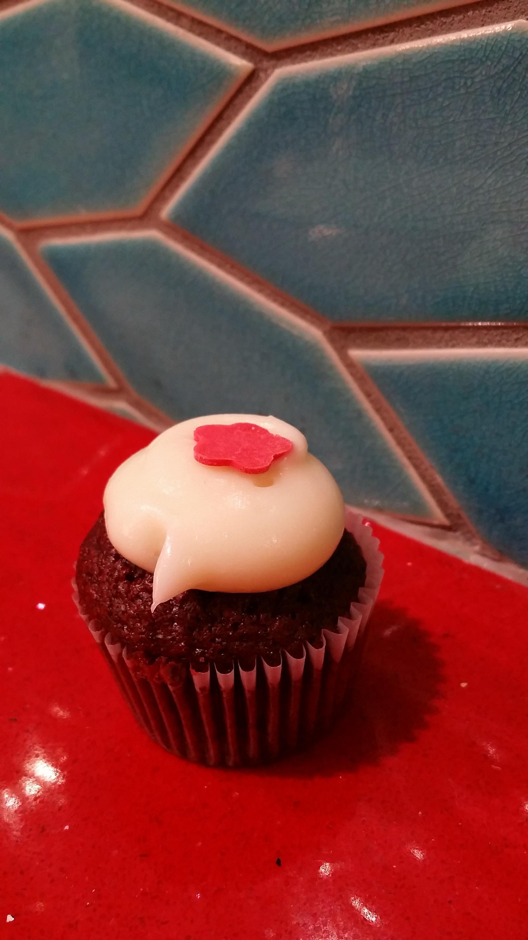 Cako Red Velvet Mini Cupcake