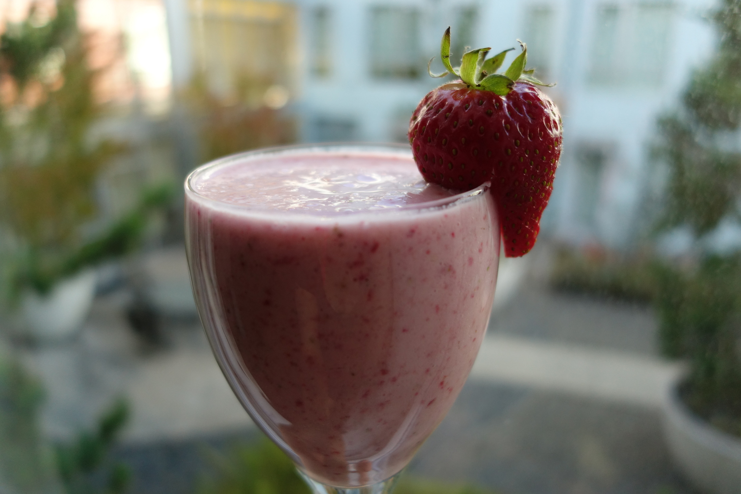sffoodphotography sandybythebay easy strawberry banana smoothie recipe