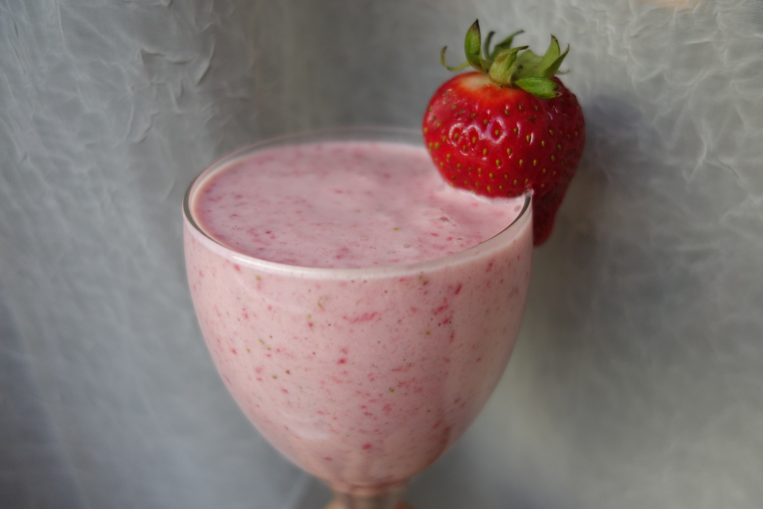 sffoodphotography sandybythebay easy strawberry banana smoothie recipe 3