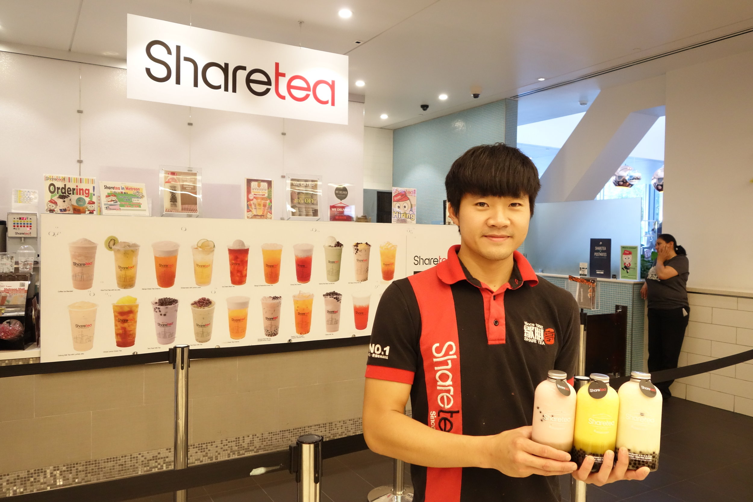Nick from the Sharetea Metreon Team in their Downtown San Francisco location. Copyright of   SandyByTheBay.com