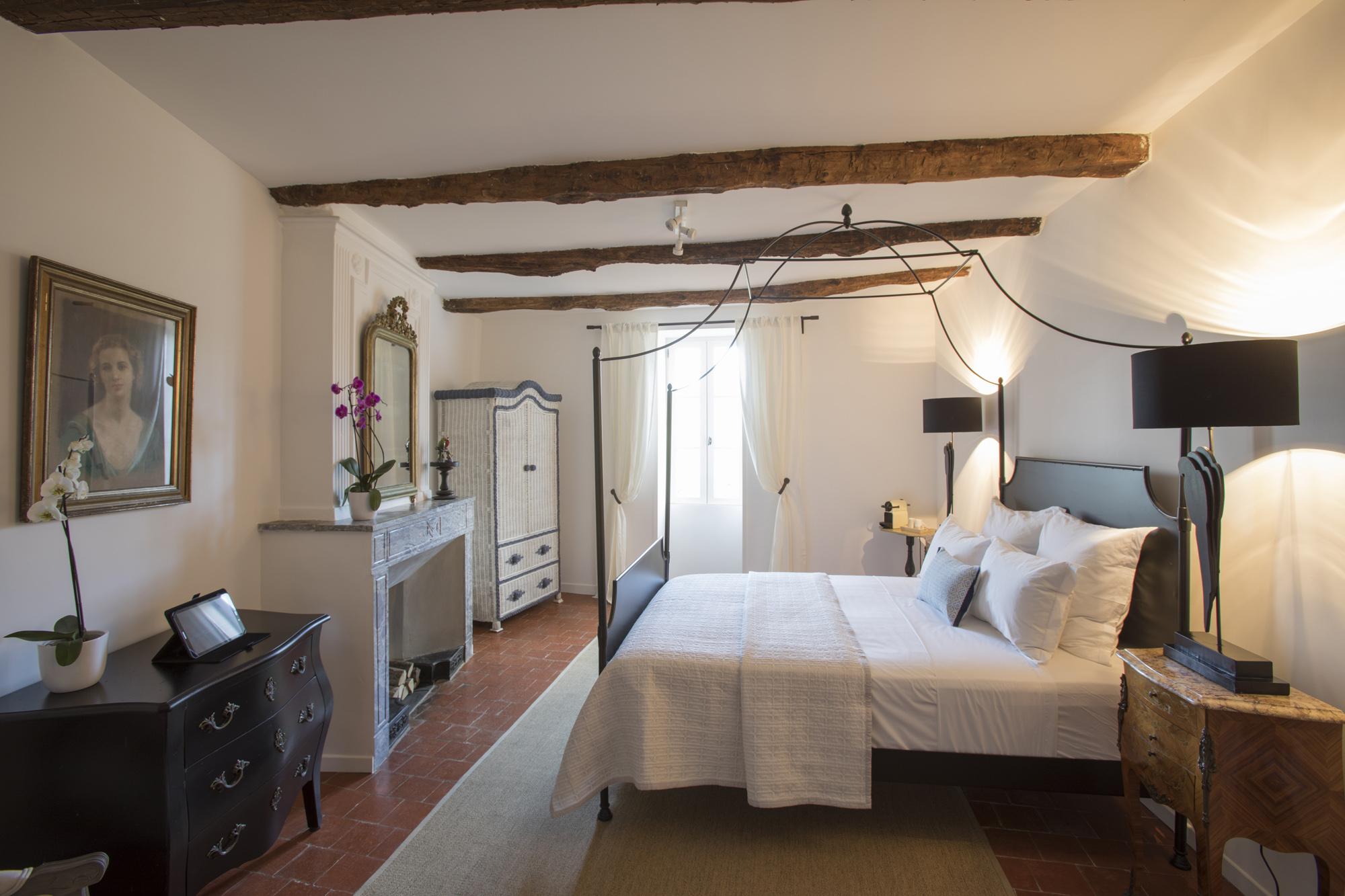 - 5 luxuriöse Zimmer / SuitenIndividuell mit Stil eingerichtet und freiem Blick auf die Umgebung
