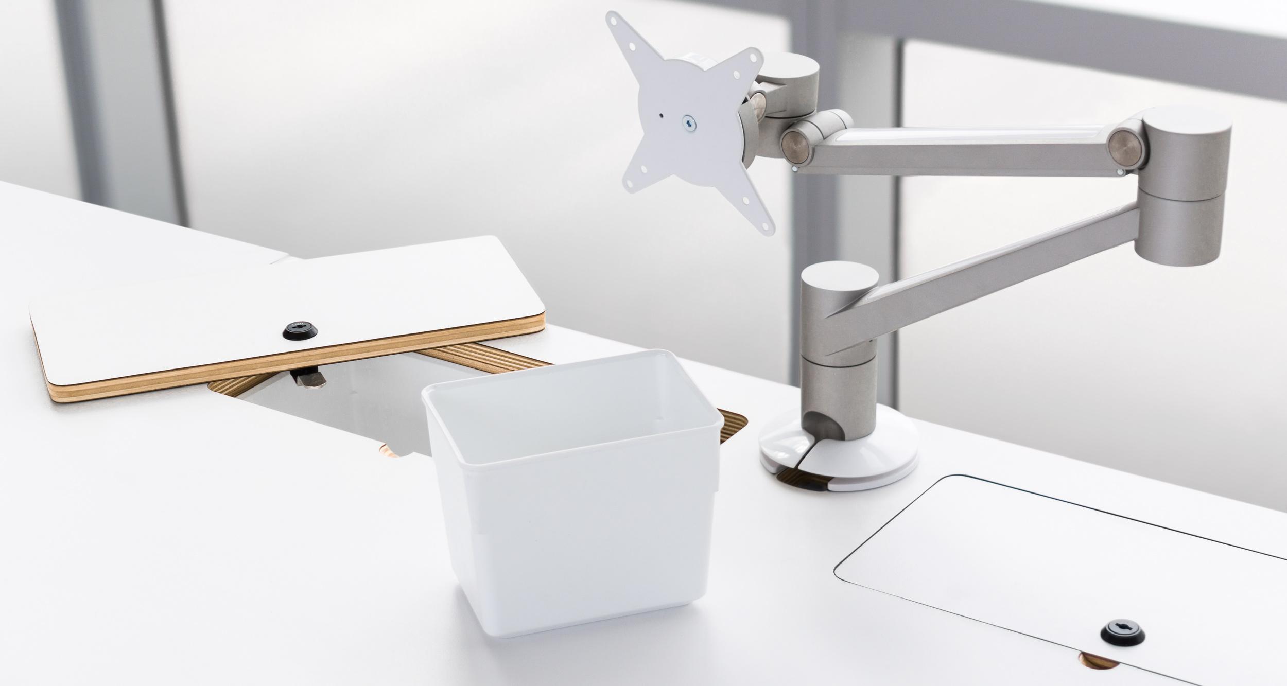 BLINC-Workstation-4-Michael-Peel-Design
