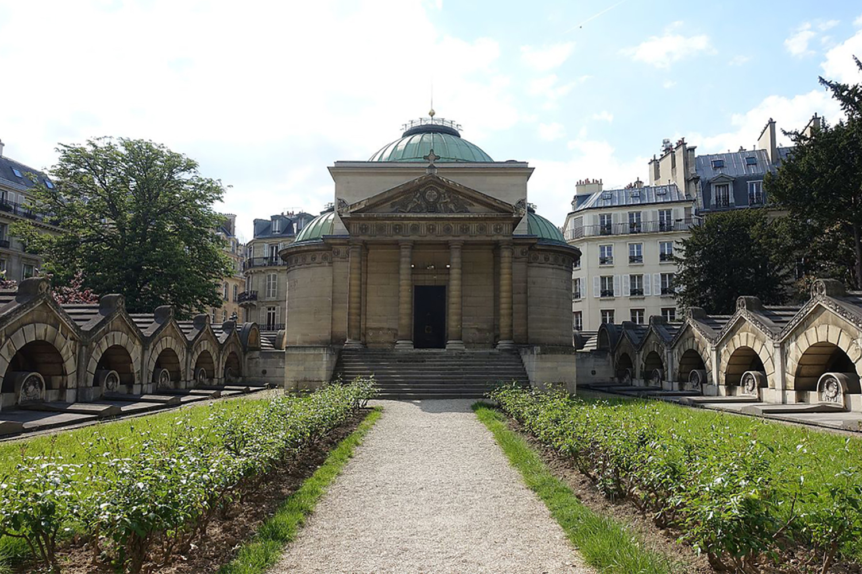 Chapelle_Expiatoire_@_Square_Louis_XVI_@_Paris_(33975349200).jpg