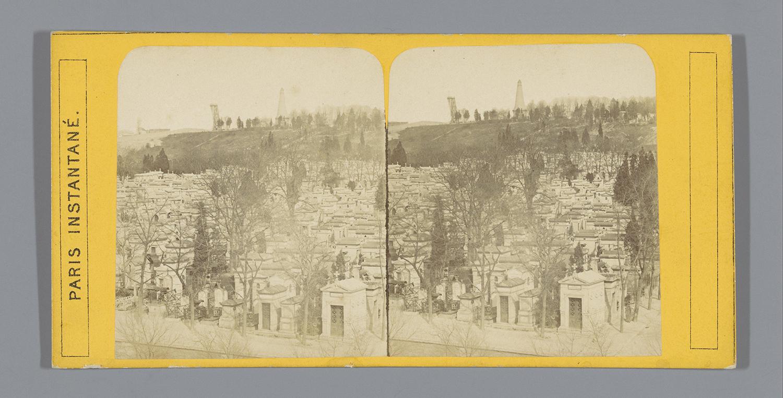 Gezicht_op_de_graven_op_de_Cimetière_du_Père-Lachaise_te_Parijs,_anonymous,_c._1860_-_c._1885.jpg