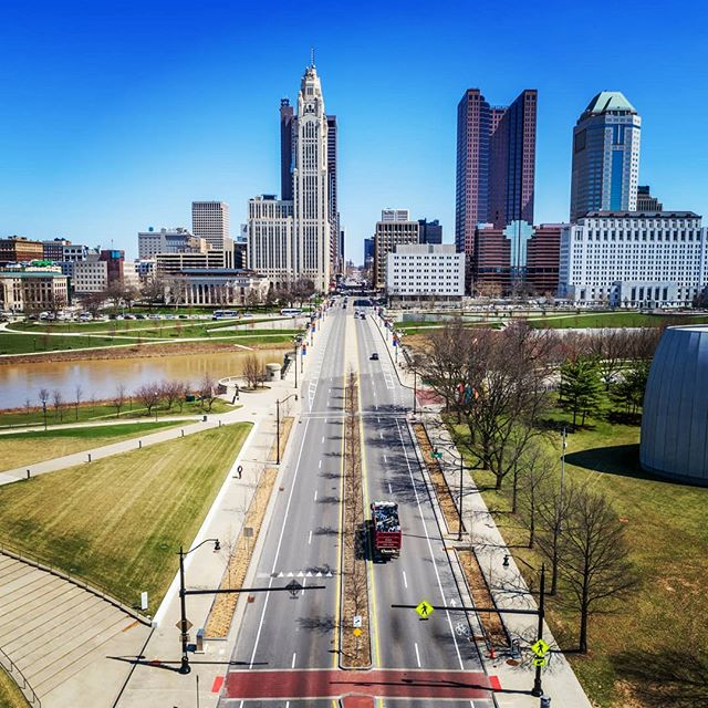 West Broad Street headed over Discovery Bridge and into downtown. . . . #dronephotography #drone #djiglobal #fromwhereidrone #drone_countries #explorecreate #beautifulplaces #droneofficial #skypixel #skyhilife_drones #gameofdronez #dronedose #dronespace #dronedaily #iamdji #droneart #thedroneu #droneglobe #dronenerds #majestic_earth #mastershots #beautifuldestinations #electic_shotz #earthpix #dronepals #agameoftones #watertower #wanderlust #downtown #skyline