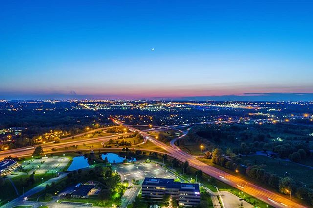 Outside the outerbelt looking towards Downtown . . . #dronephotography #drone #djiglobal #fromwhereidrone #drone_countries #explorecreate #beautifulplaces #droneofficial #skypixel #skyhilife_drones #gameofdronez #dronedose #dronespace #dronedaily #iamdji #droneart #thedroneu #droneglobe #dronenerds #majestic_earth #mastershots #beautifuldestinations #electic_shotz #earthpix #dronepals #agameoftones #ohio #wanderlust #moon #sunset