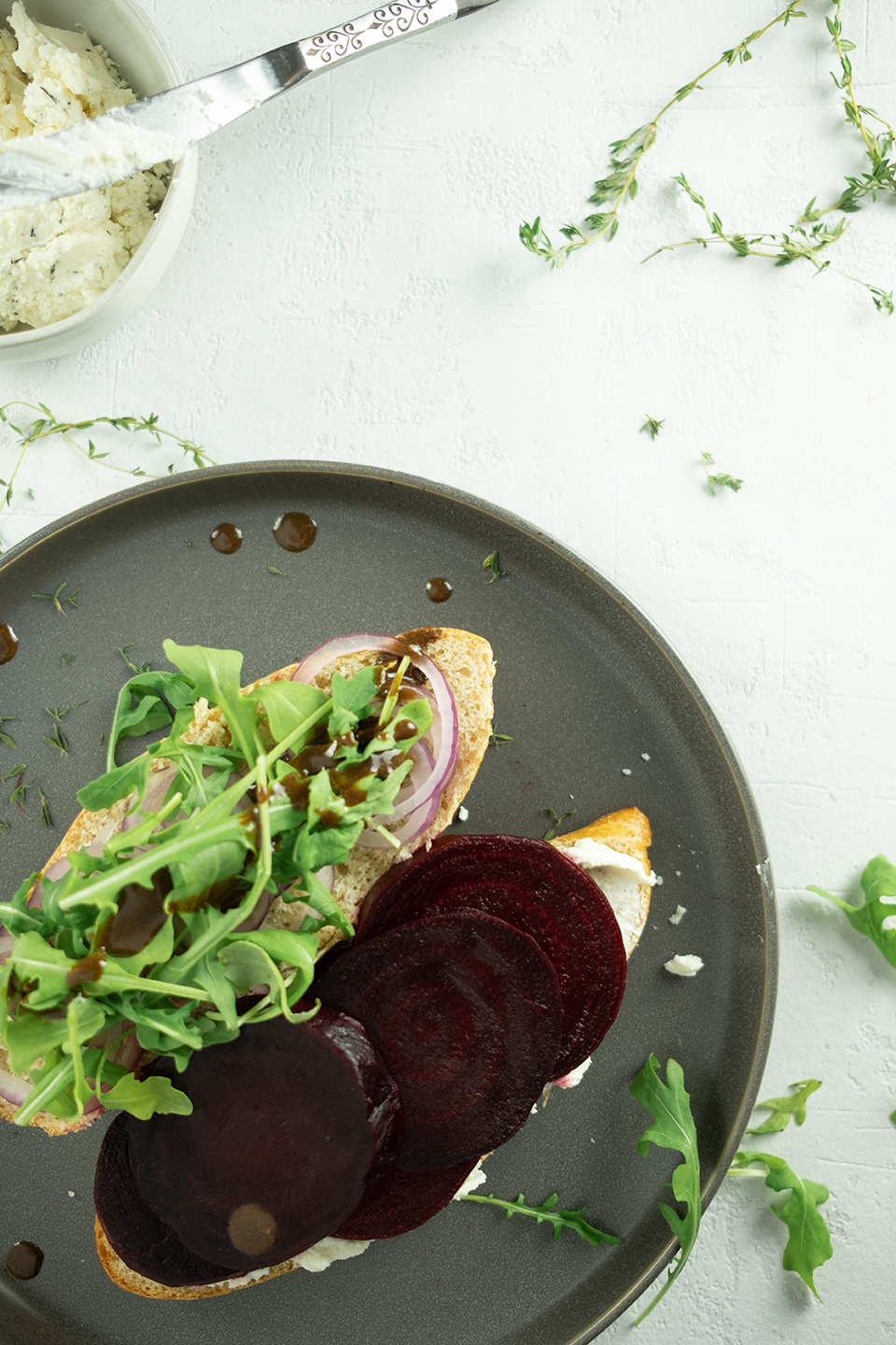 roasted beet sandwich with arugula and goat cheese