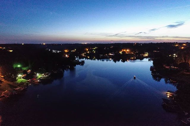 I wanna be on that boat! Miss you lakelife 😭  #dronephotography #drone #djiglobal #fromwhereidrone #drone_countries #explorecreate #beautifulplaces #droneofficial #skypixel #skyhilife_drones #gameofdronez #dronedose #dronespace #dronedaily #iamdji #droneart #thedroneu #droneglobe #dronenerds #majestic_earth #mastershots #beautifuldestinations #electic_shotz #earthpix #dronepals #agameoftones #kentucky #wanderlust #night #lakelife