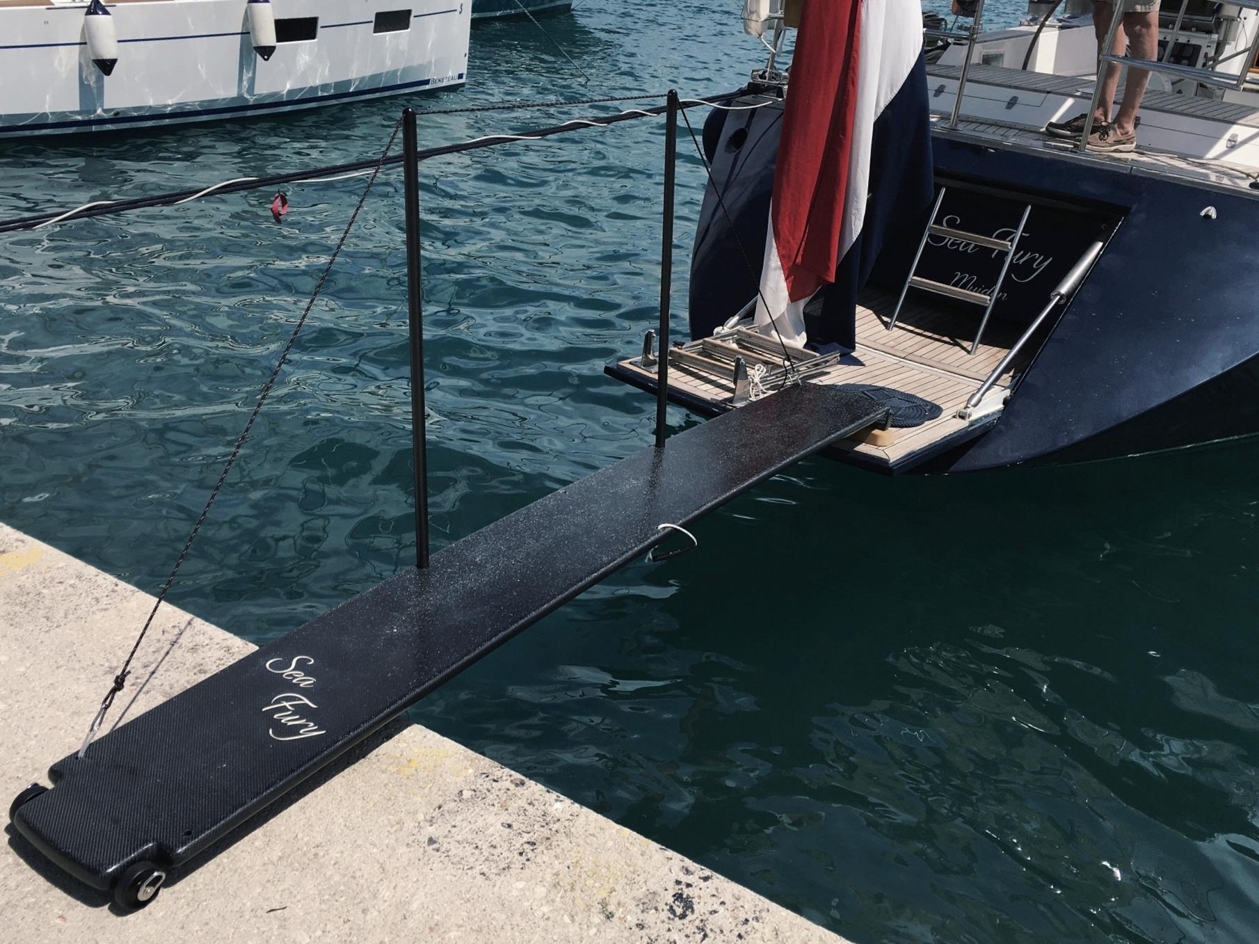 Custom loopplank , met anti-slip toplaag.