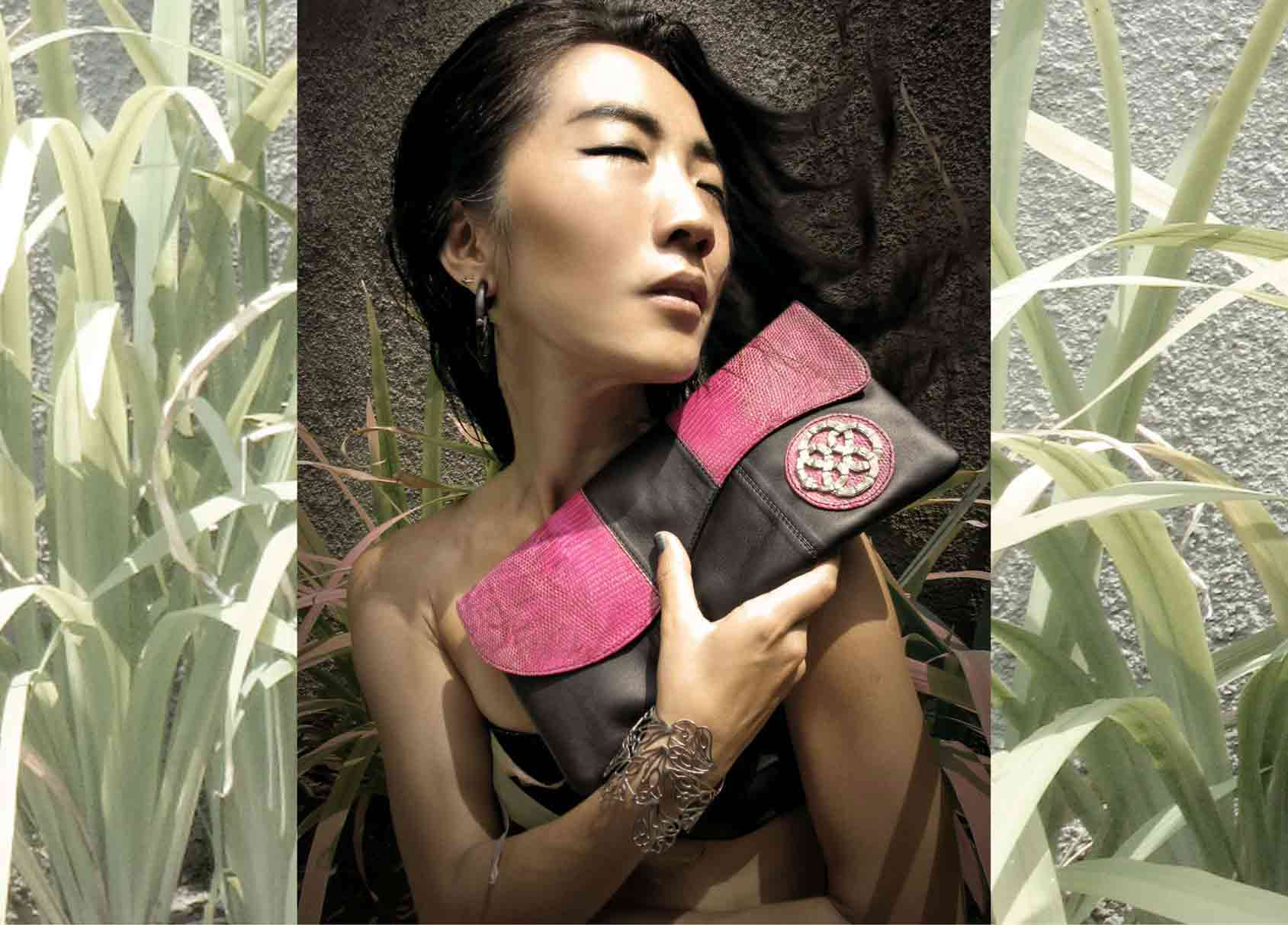 Nagicia-Campaign-Ular-Lizard-Envelope-Clutch.jpg
