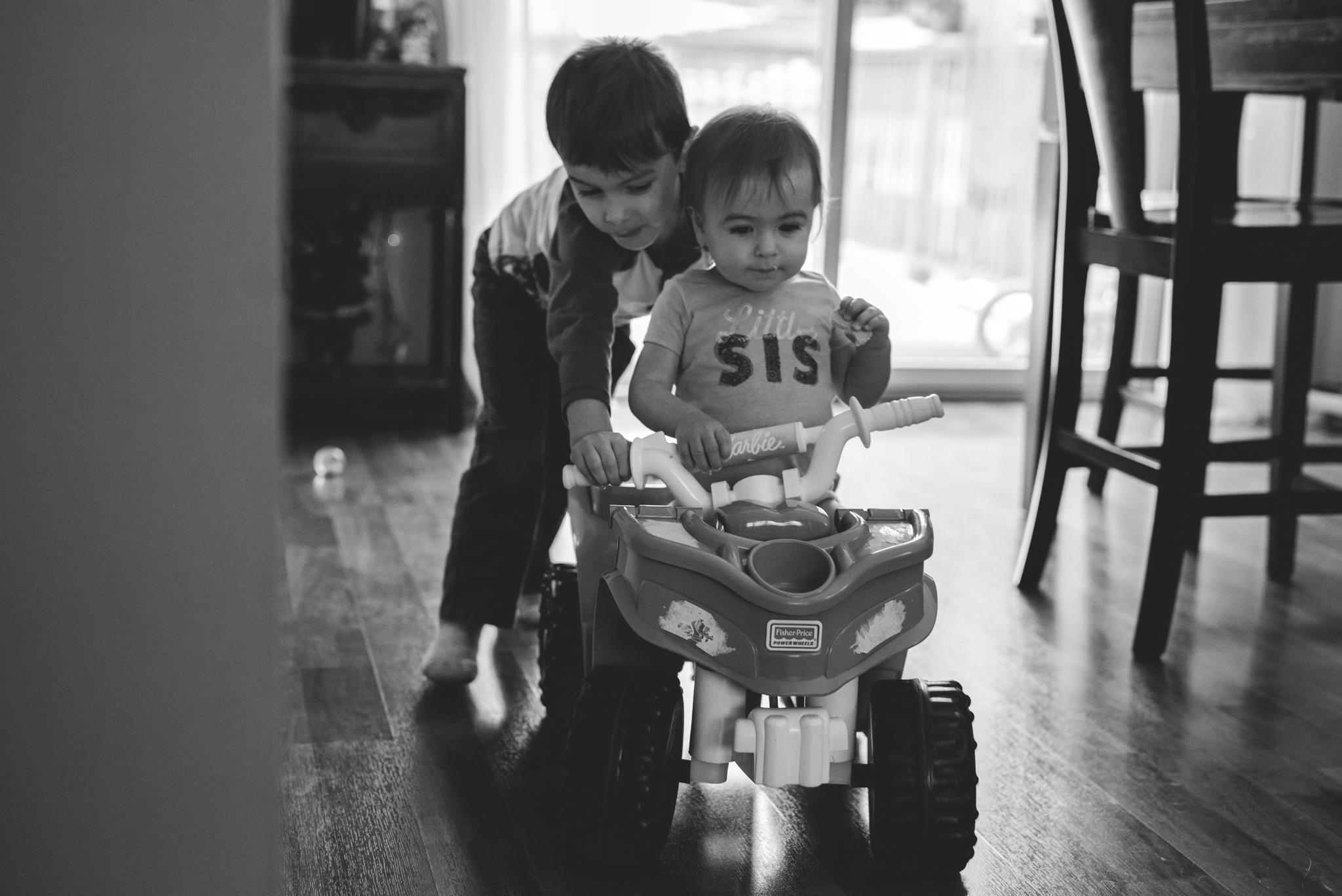 Big brother comes home from school just before lunch. Let's play!