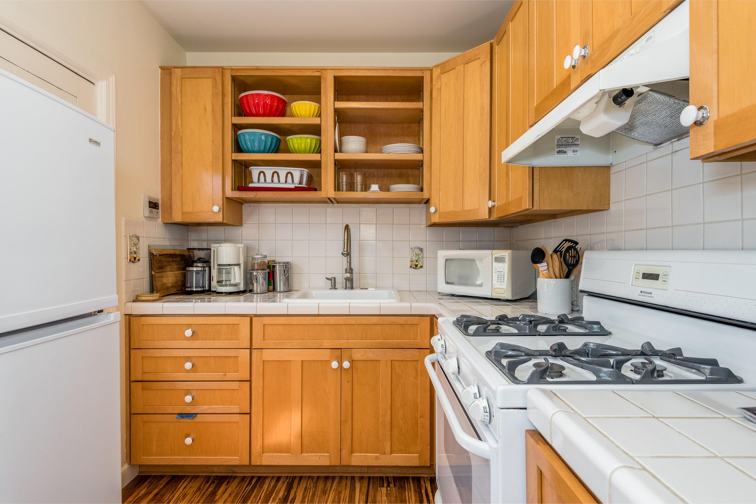 25-Guest Unit Kitchen.jpg