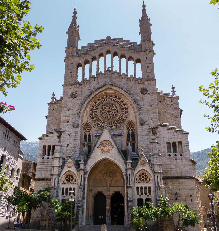 cathedral-socc81ller-mallorca-spain.jpg