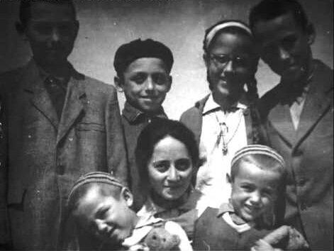 Julia Visky and her children