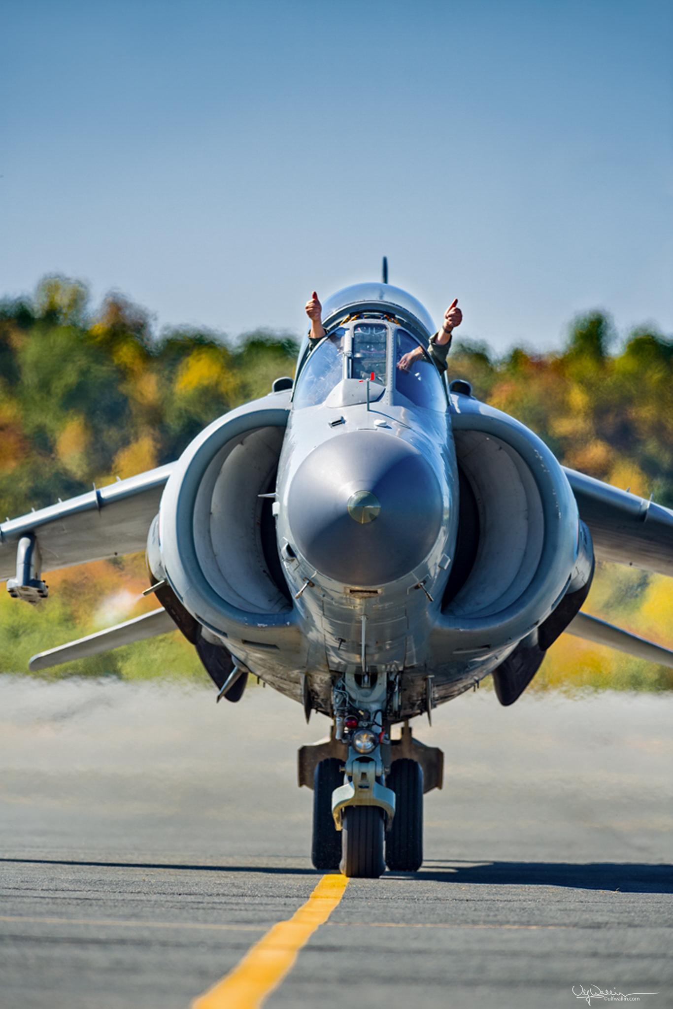 FA2 - Sea Harrier - Thumbs Up