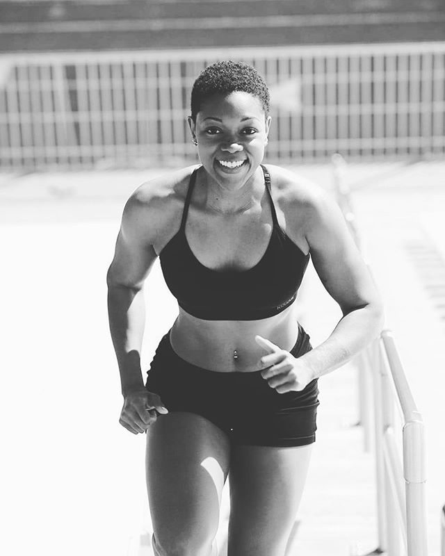 Jumpstart those wellness goals with  3 of our fav black owned fitness companies! Link in bio. @grillzandgranola @spikedspin @good.wrk . . . #shedares