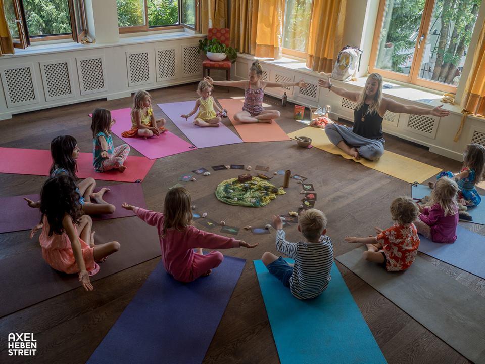 """""""Hallo, ich bin Yoga…!"""" - Yogakurs für Kinder mit Miriam Stannecker, Schnupperstunde am 15.07.1917:00 -18:00 Uhr"""