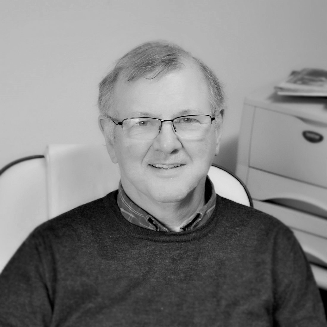 Dave Walker - Consultant  Dave has been managing and developing successful electronic businesses for the last 40 years, with experience spanning both small and large operations. In his new role Dave will support Sutech in a consultancy capacity, drawing on his insight to help the business continue to grow and develop.