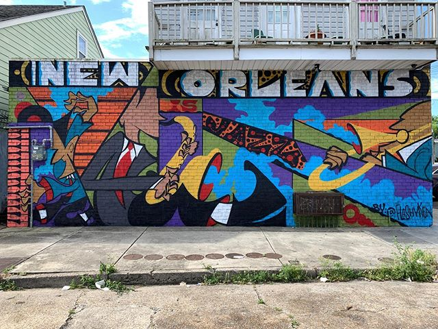 This project put us in a big mood. We had the chance to create something positive for the neighborhood and we had just an amazing time doing it. The neighborhood came out pretty big and we had a ton of conversations. We want more projects like this and more are in the works. A big thank you to @mayorcantrell for sending us love. Mural by @flashyken with @theotherjon on the big assist!!! We ❤️ you to death New Orleans!!! #beworleansart #neworleansartist #neworleansmural