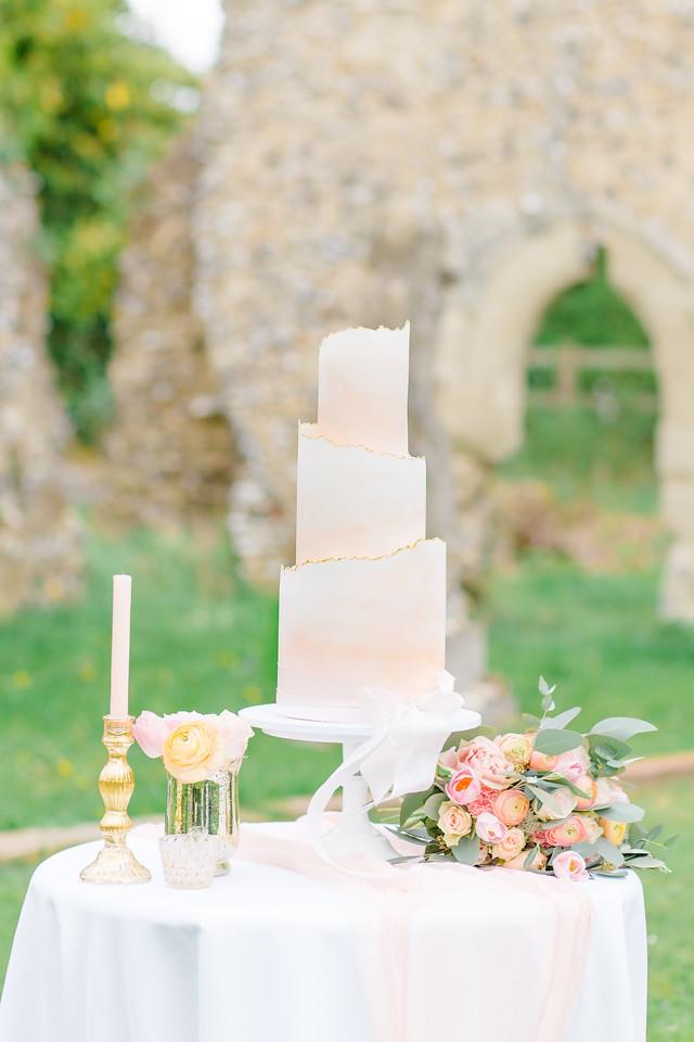 Luxury wedding cake company hertfordshire