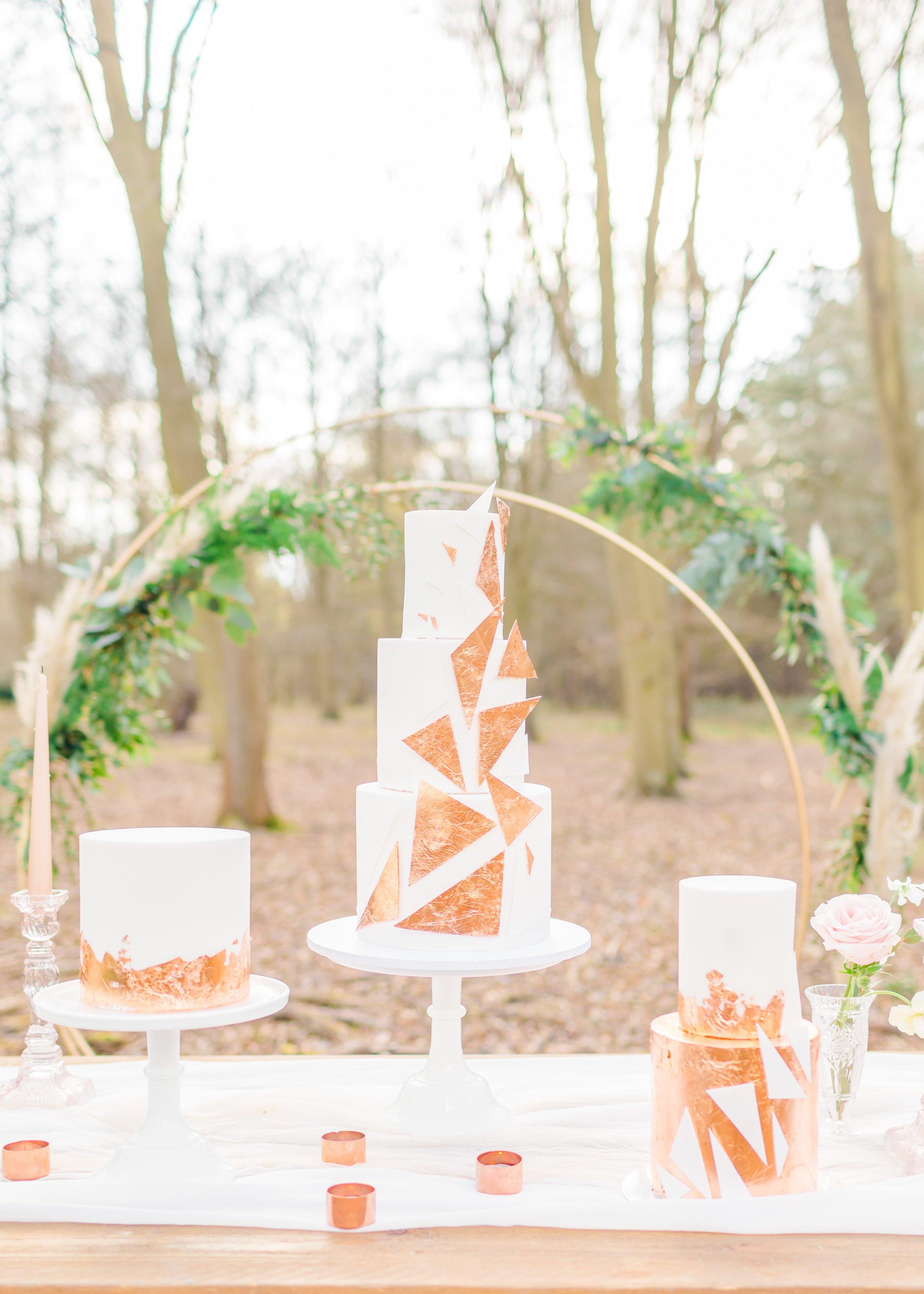 contemporary wedding cakes uk