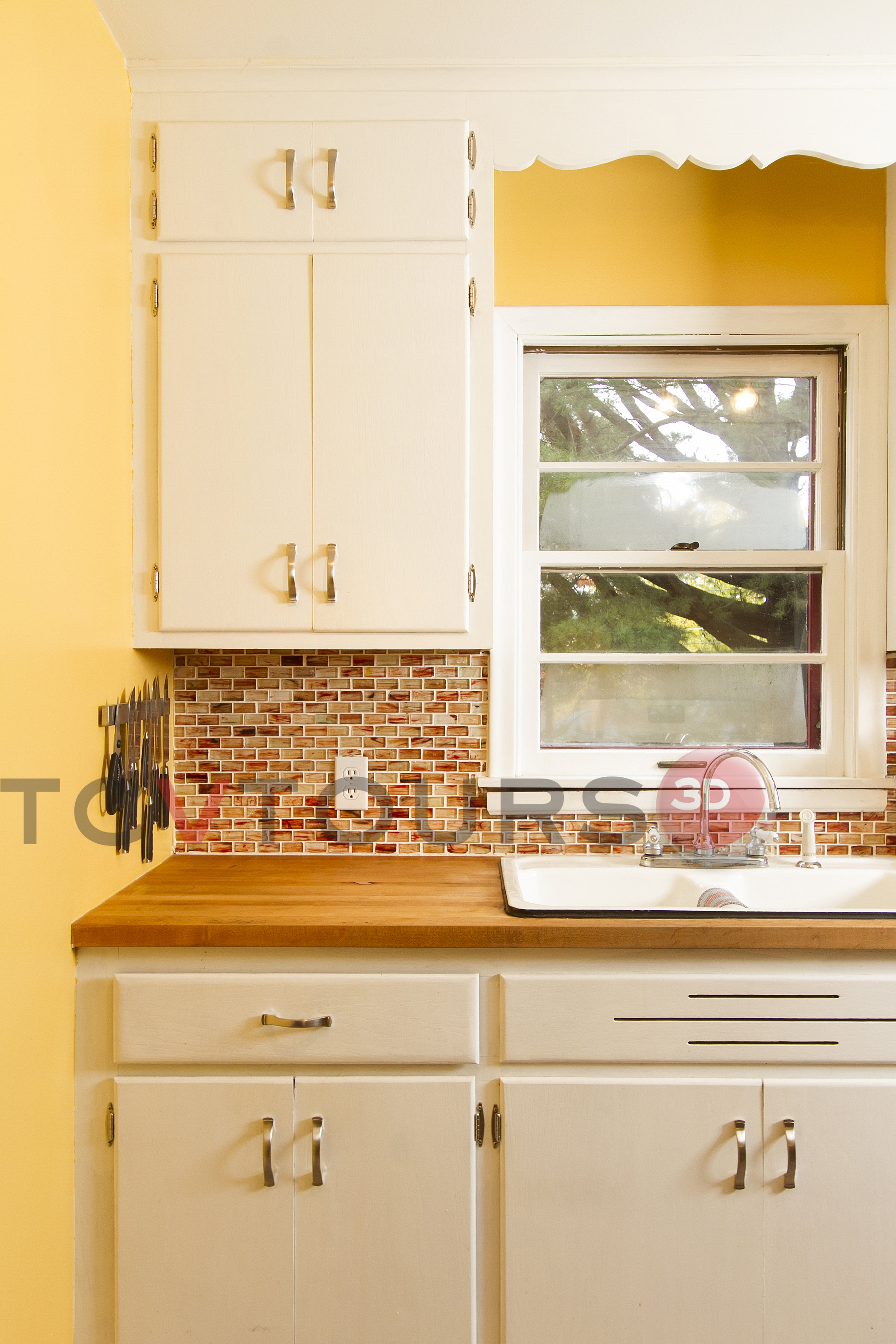 019_kitchen sink vert H20.jpg