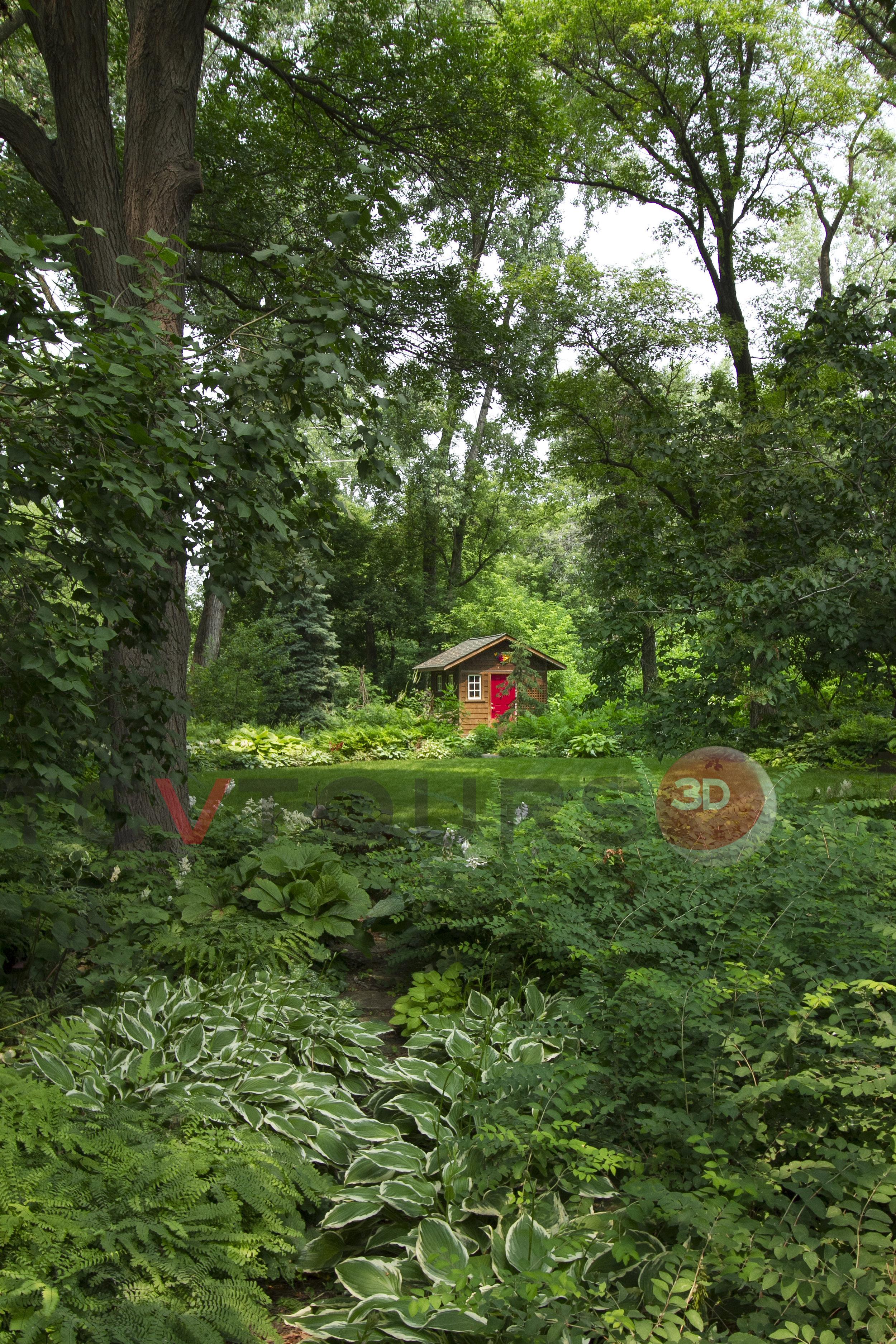 042_back yard vert H20.jpg