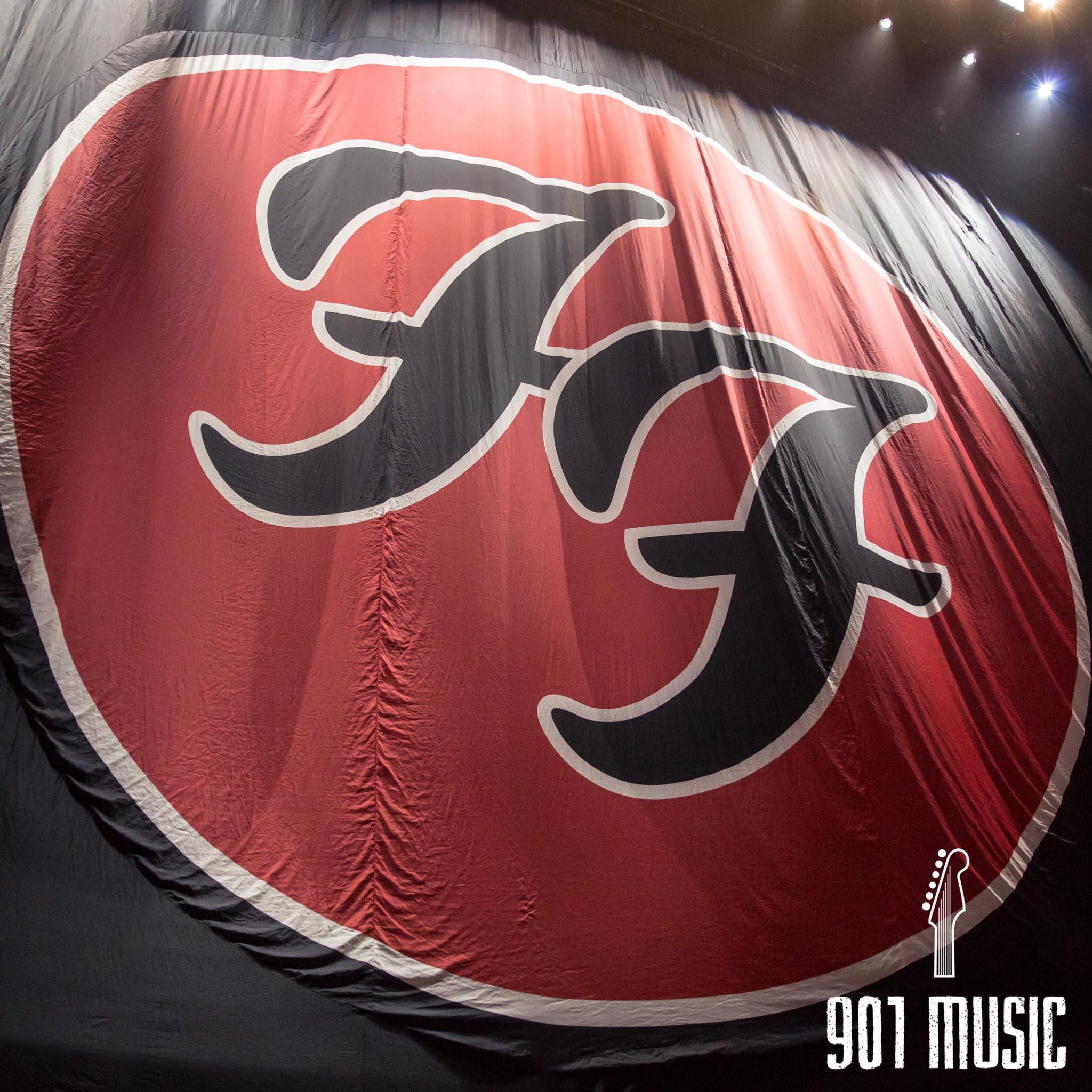 na-1007-Foo Fighters-1.jpg