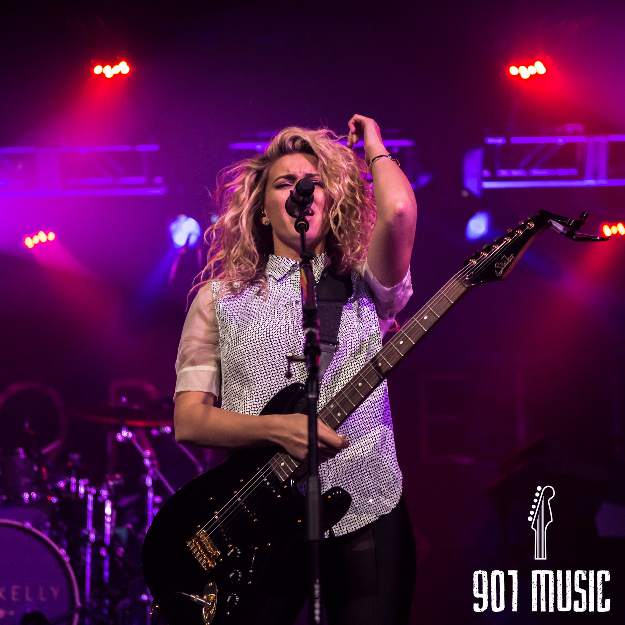 na-11052015-ToriKelly-29.jpg