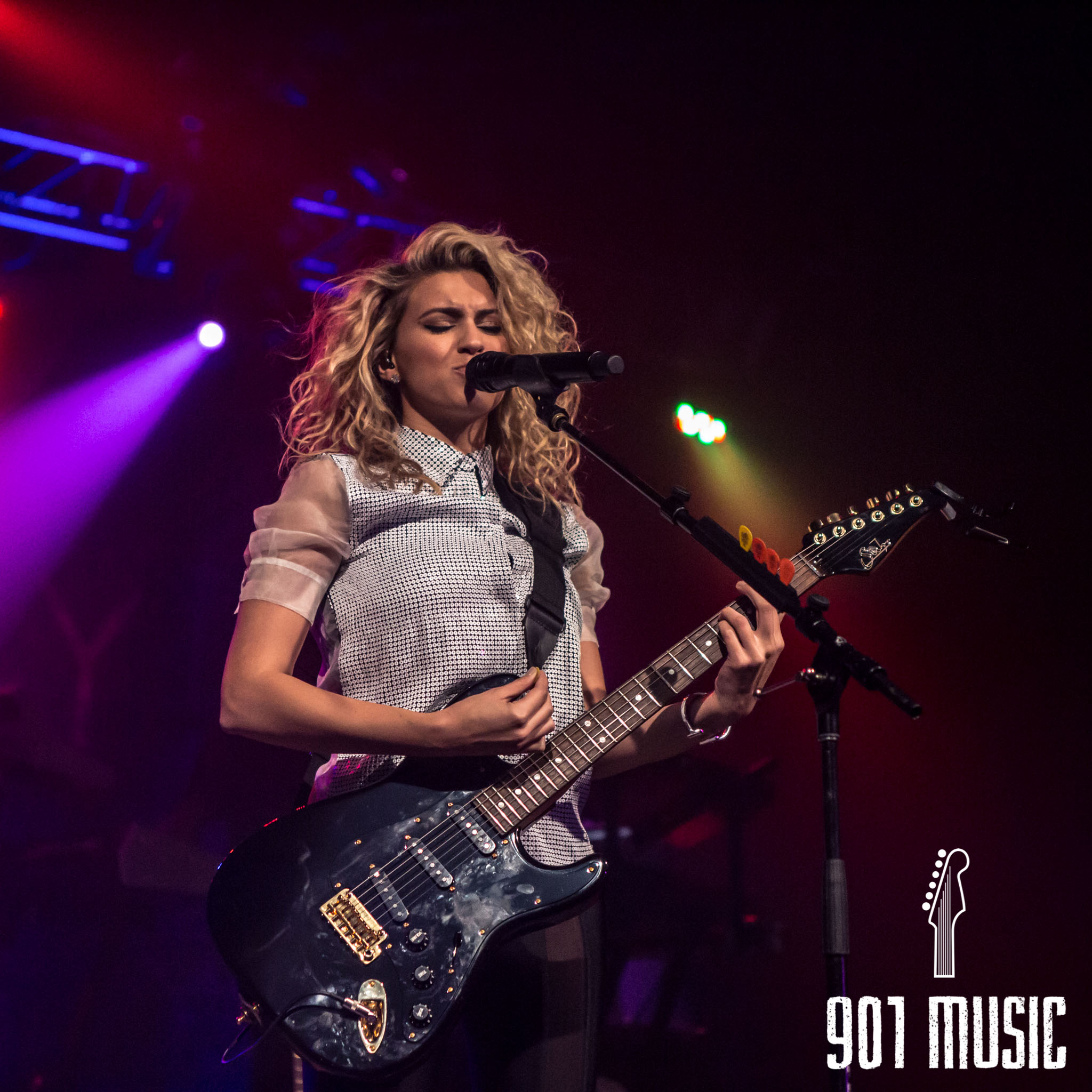 na-11052015-ToriKelly-32.jpg