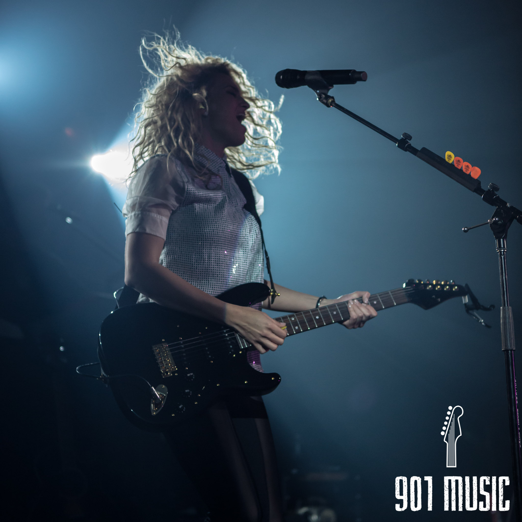 na-11052015-ToriKelly-40.jpg