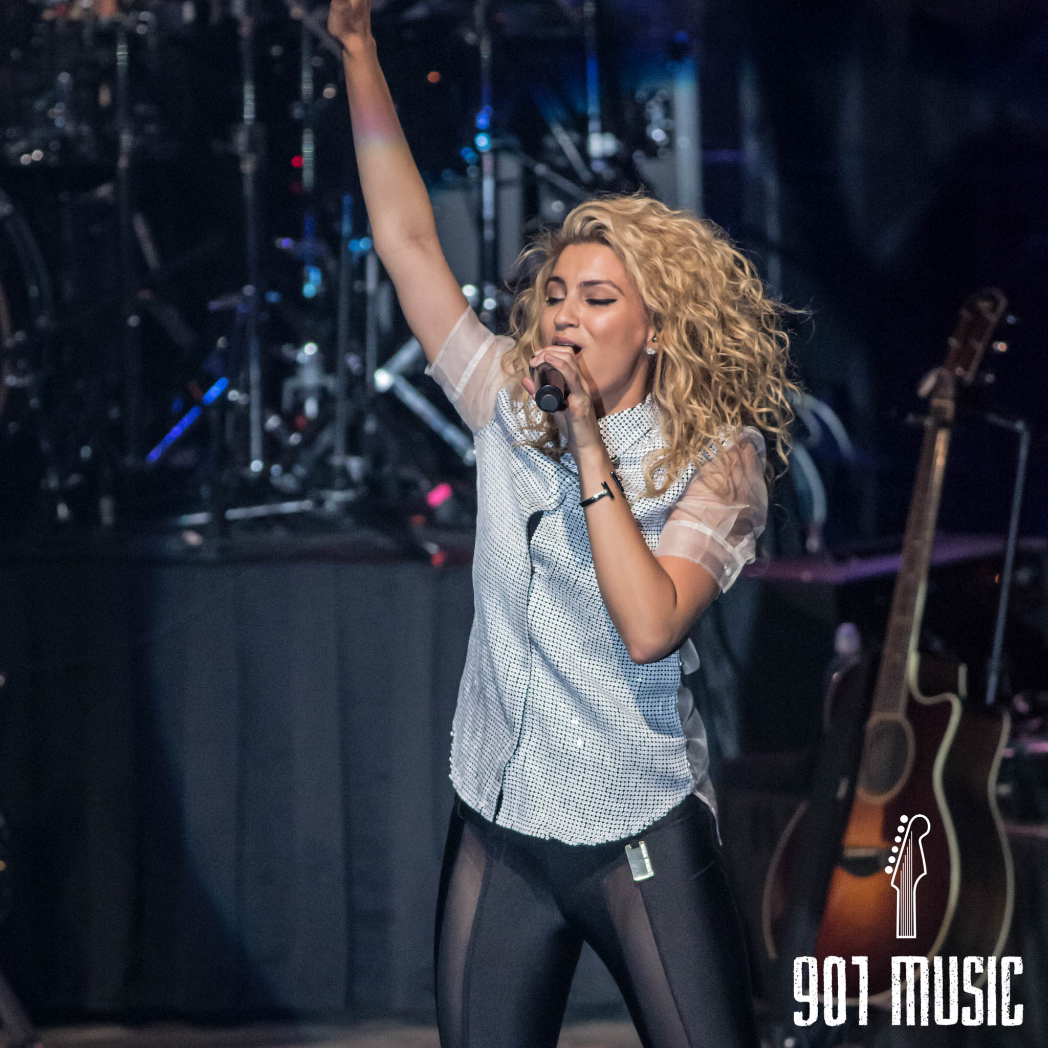 na-11052015-ToriKelly-51.jpg