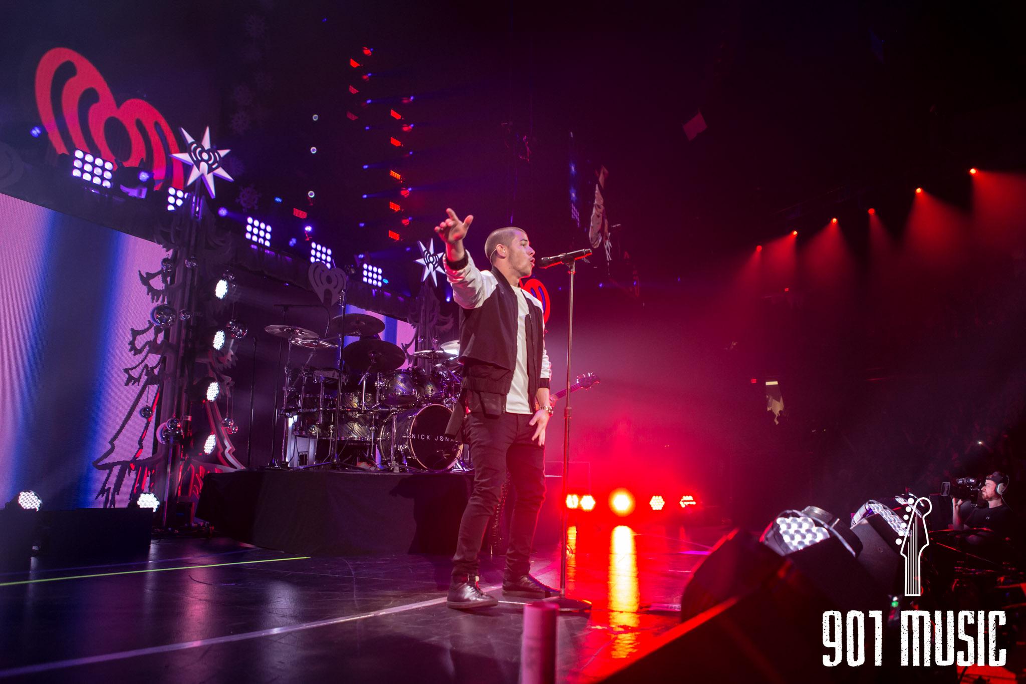 na-12162015-Jingle Ball Chicago-1.jpg