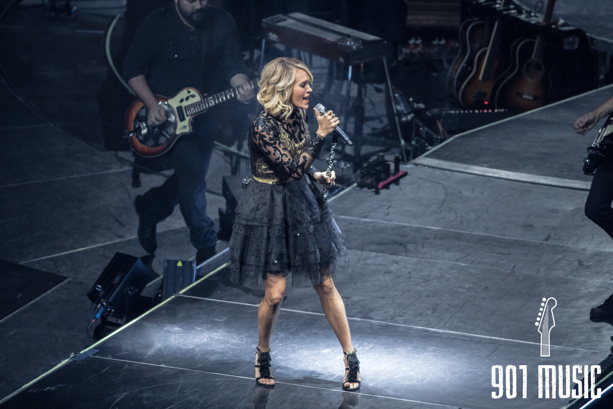 na11132016-Carrie Underwood-37.jpg