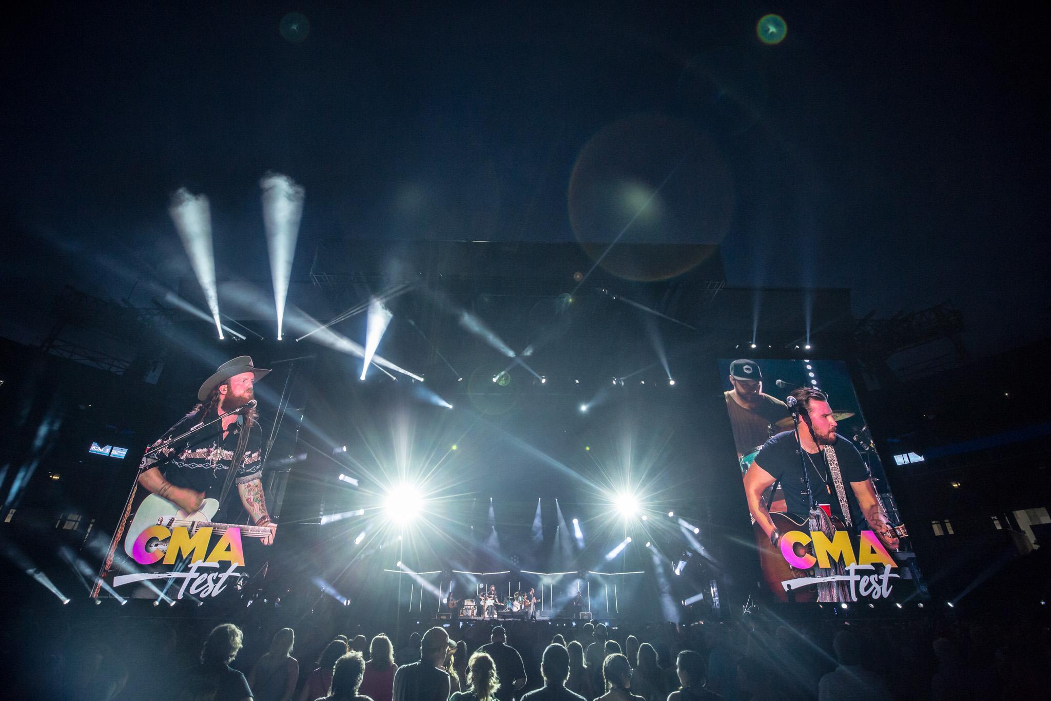 na06112017-CMA Fest Night 414.jpg