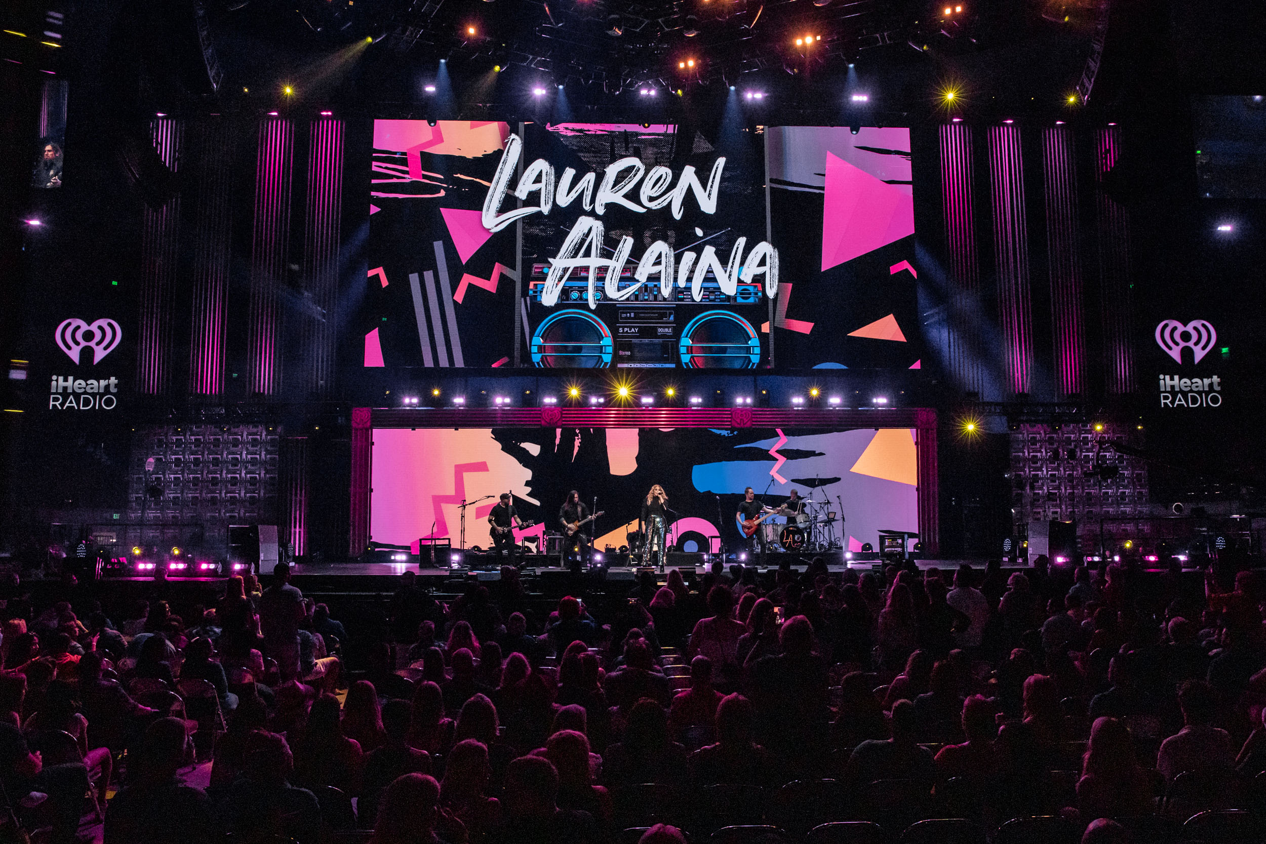 @LauraLArmstrong -NA-05042019-iHeartCountry-29.jpg