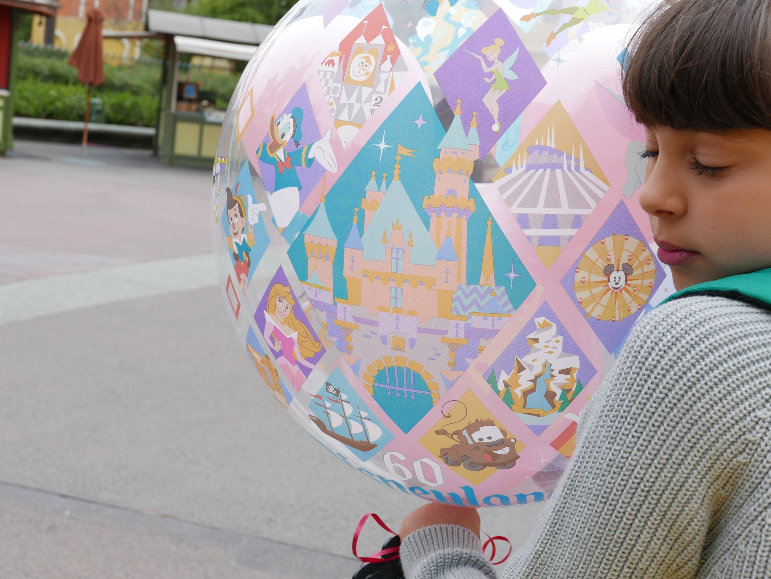 disneyland ballon