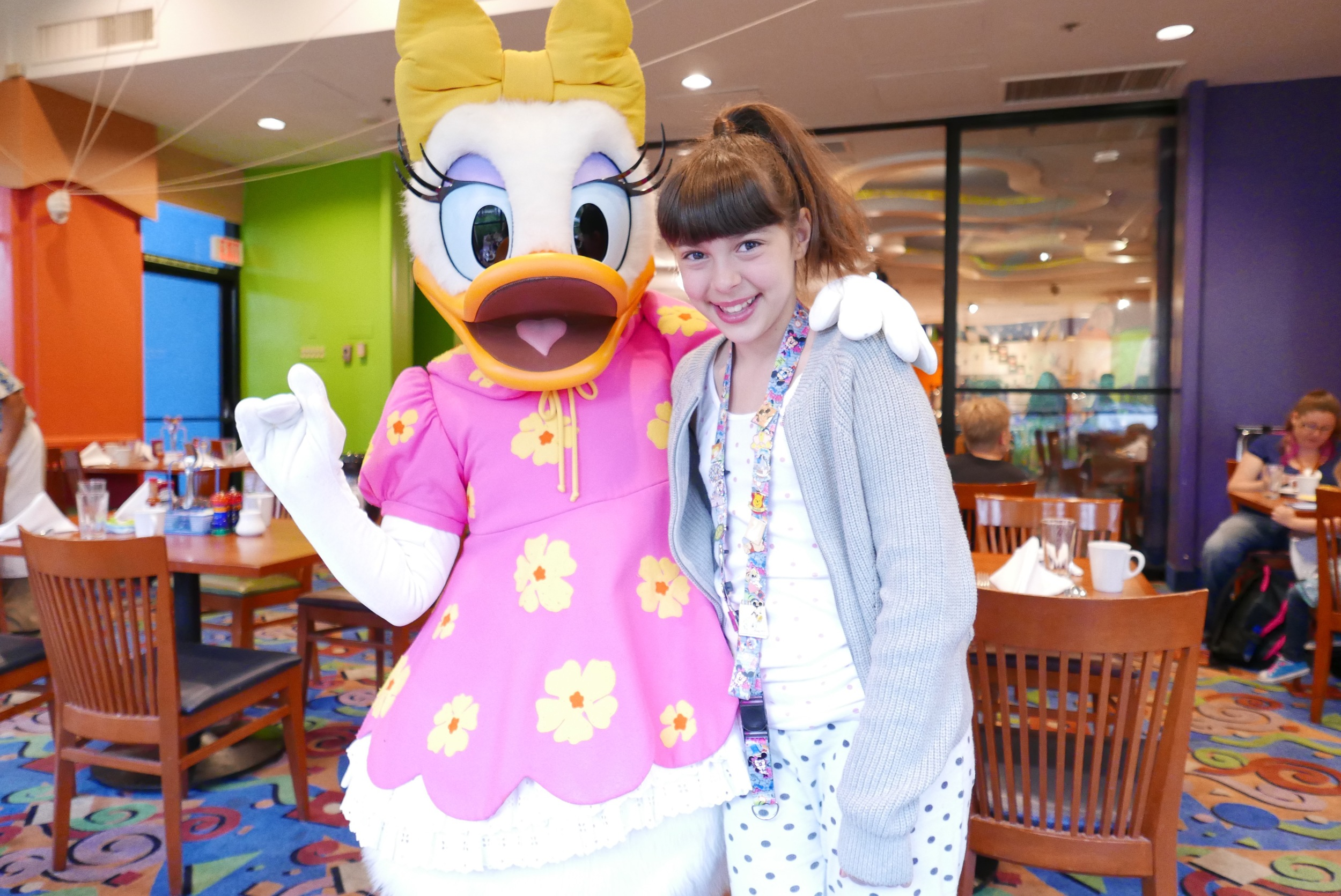 daisy the duck character breakfast