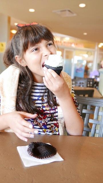 mint chocolate chip cupcake