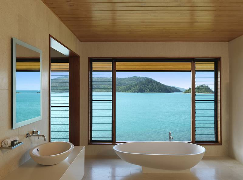 qualia-Windward-bath-HR,medium_large.1438829797.jpg