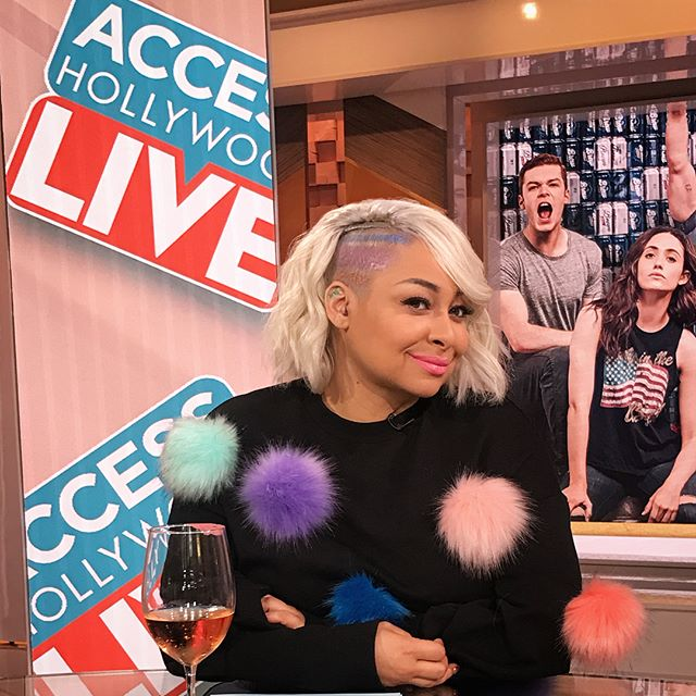 Access Hollywood Live with @ravensymone  Makeup @taniasaylor  Hair #ambernicholle #ravenshome #accesshollywoodlive