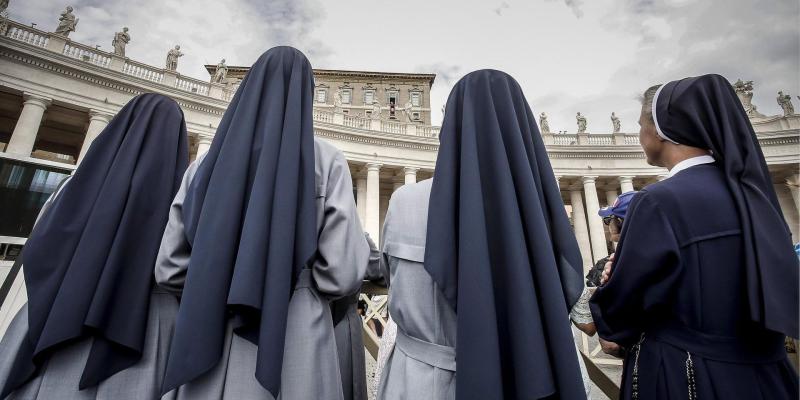 монахини.jpg