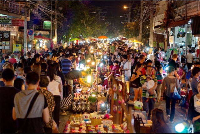 The Top 10 BEST Markets in Chiang Mai, Thailand - Night Bazaar