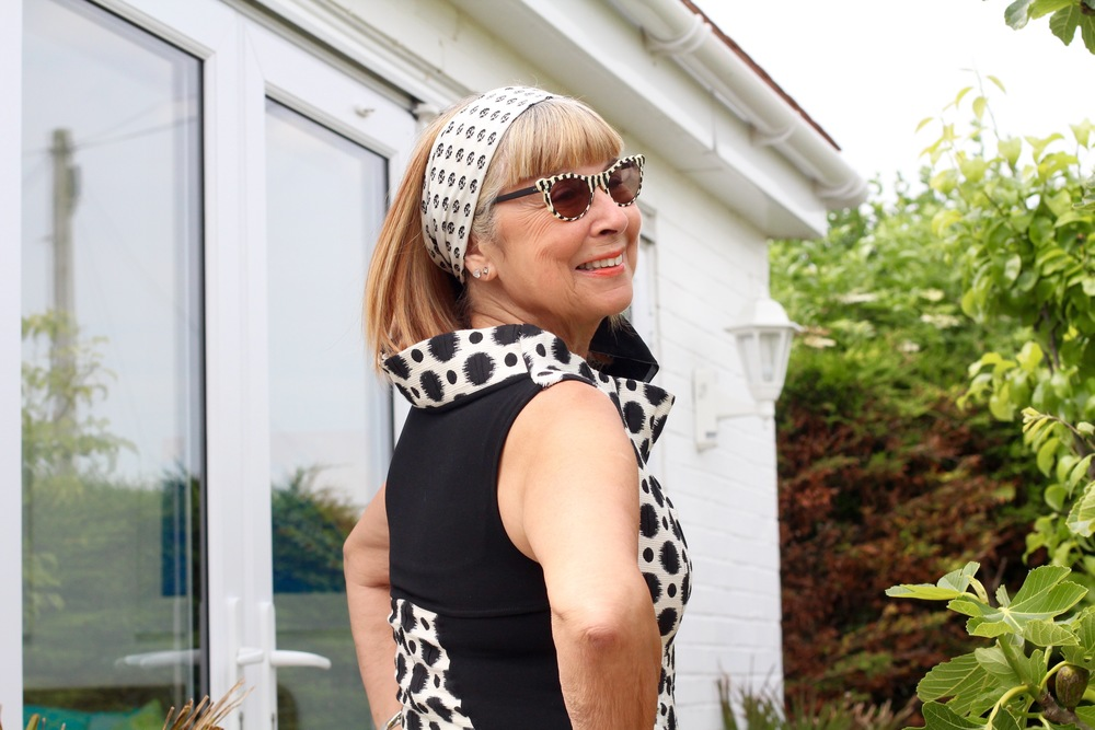 Vintage look for a new monochrome dress. Just added the scarf & the vintage sunnies.