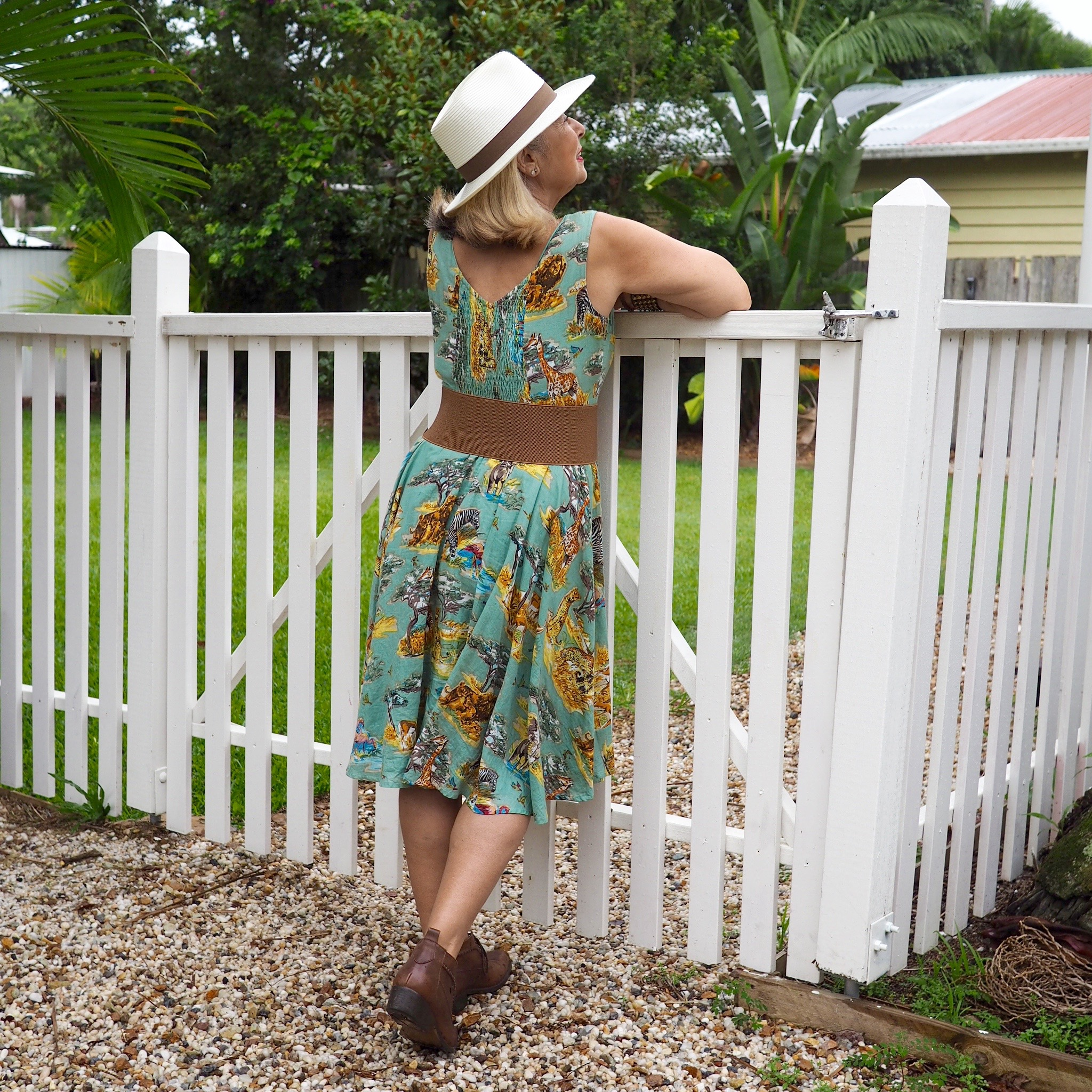 Love the back of this cotton dress.
