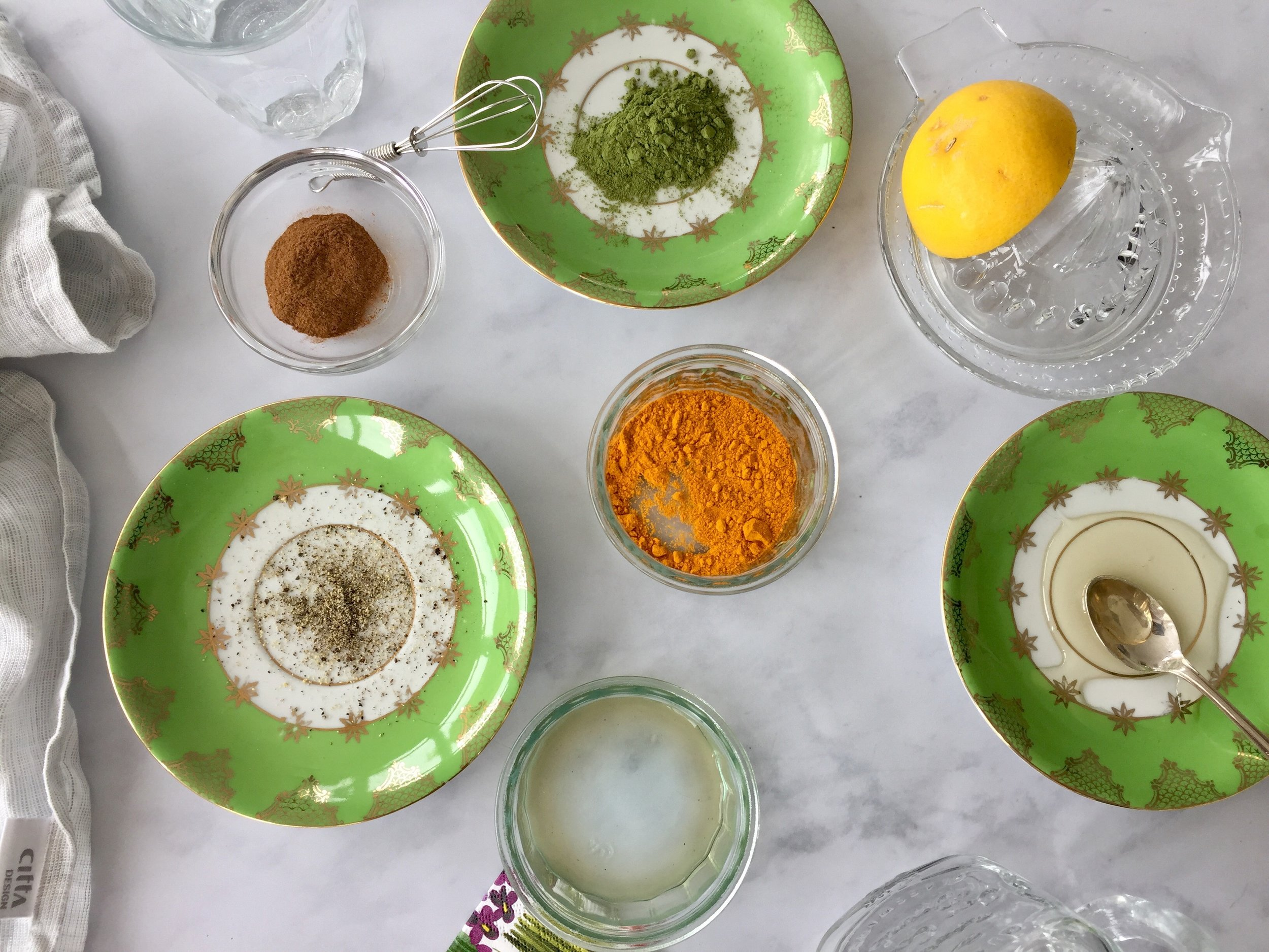 Ingredients for turmeric tea.