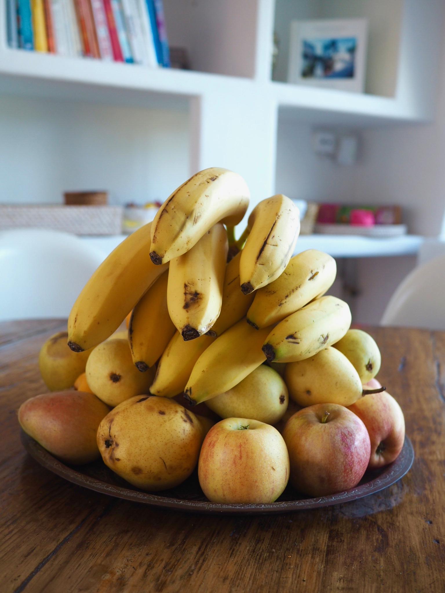 Bananas, fruit bowl
