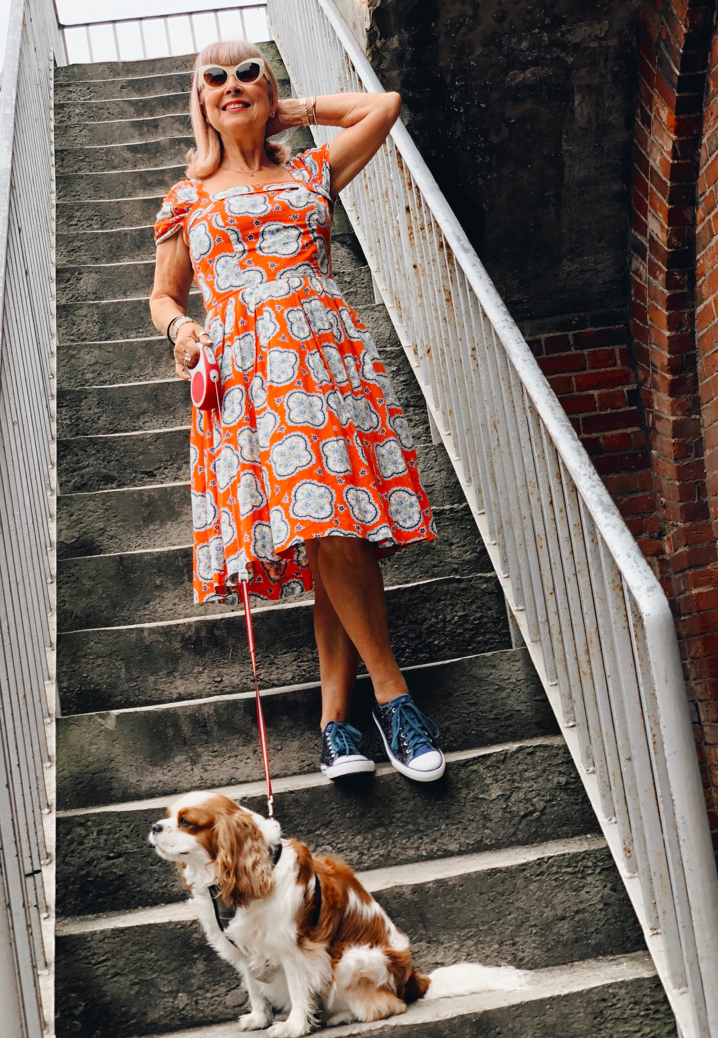 Vintage style dress with sneakers