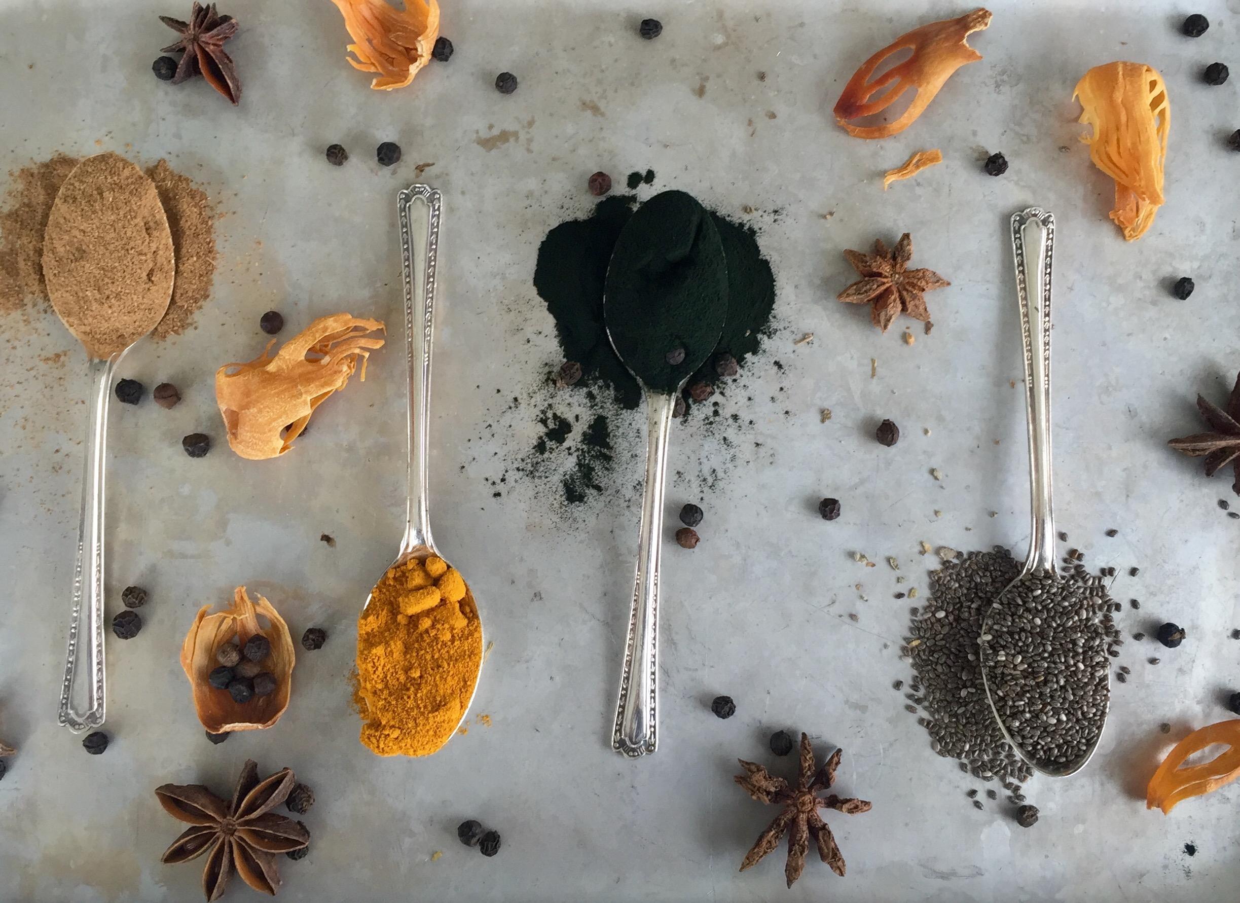Cinnamon, turmeric, spirulina and chia seeds: for blood sugar levels, immunity and energy