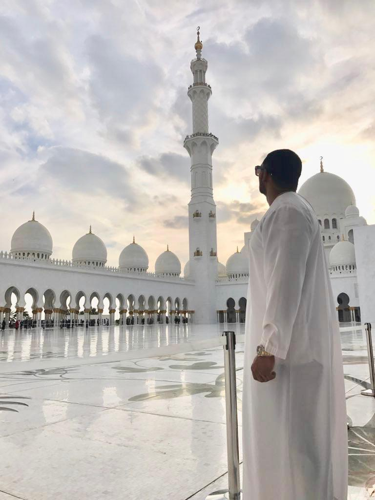 Abu Dhabi Mosque.jpg